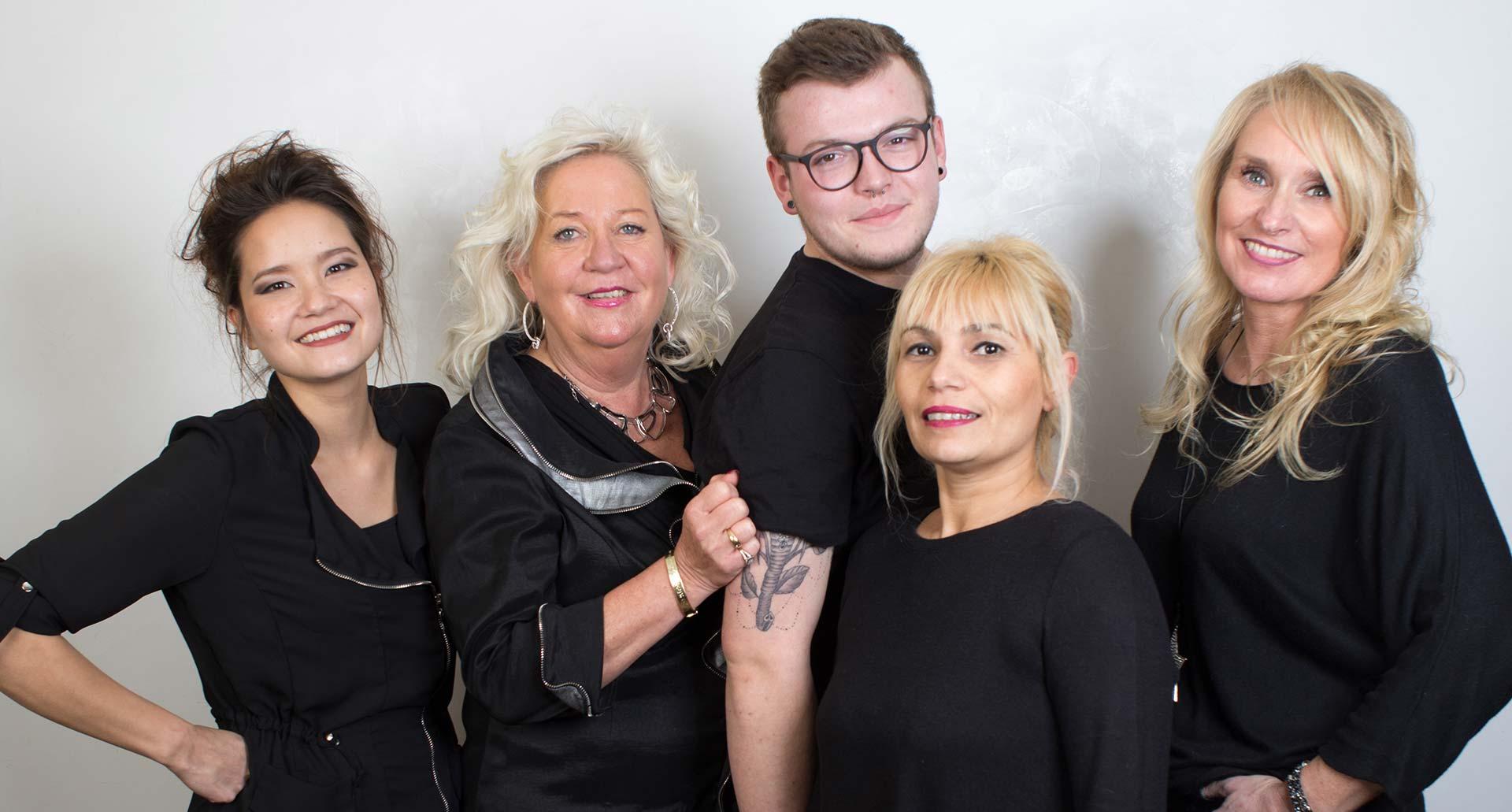 Team-Foto des Salon HaarZeit Wedel